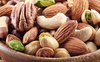 Орехи в бодибилдинге, польза арахиса для мужчин, грецкий орех, миндаль