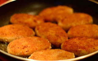 Рецепт вкусных диетических рыбных котлет для спортсменов